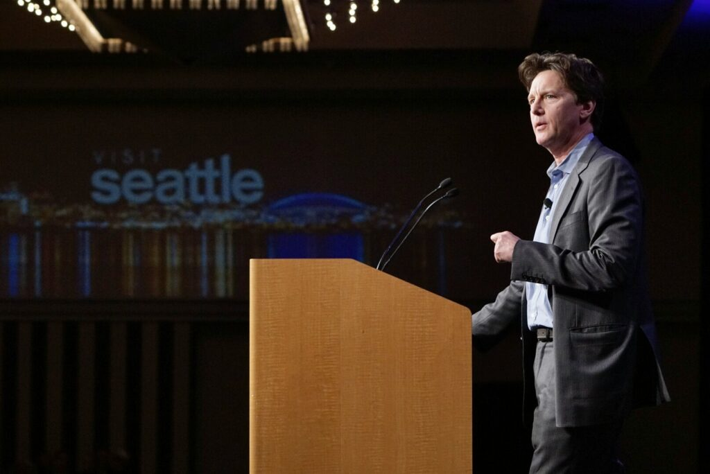 Andrew McCarthy at the 2015 Visit Seattle Annual Meeting