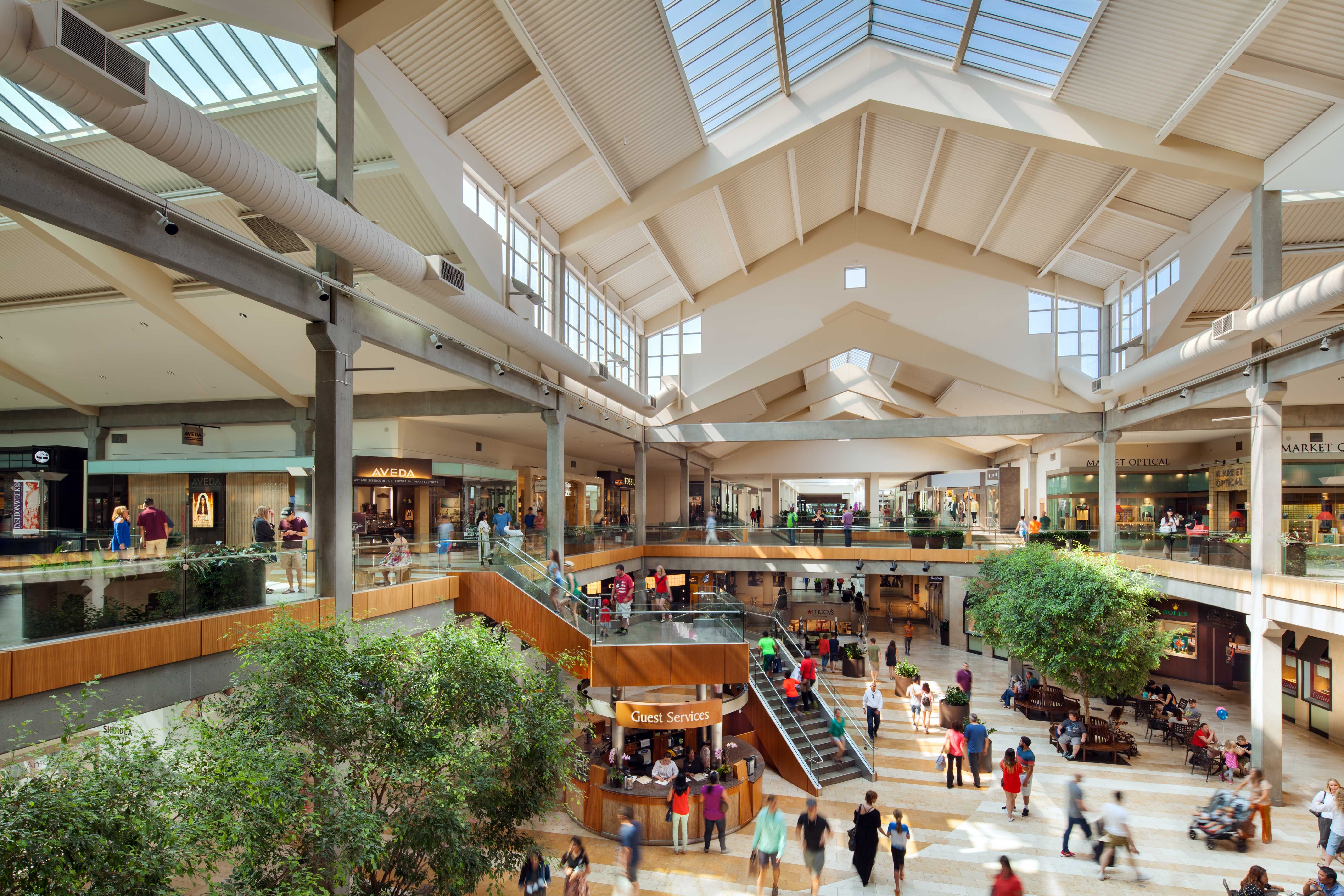"""Between Southcenter, Northgate, and Bellevue Square, this is definitely the best mall to come to in the Seattle area!"" in 16 reviews ""Bellevue square connects to Lincoln square which in turn connects to the Hyatt via the 2 sky bridges."" in 9 reviews4/4()."