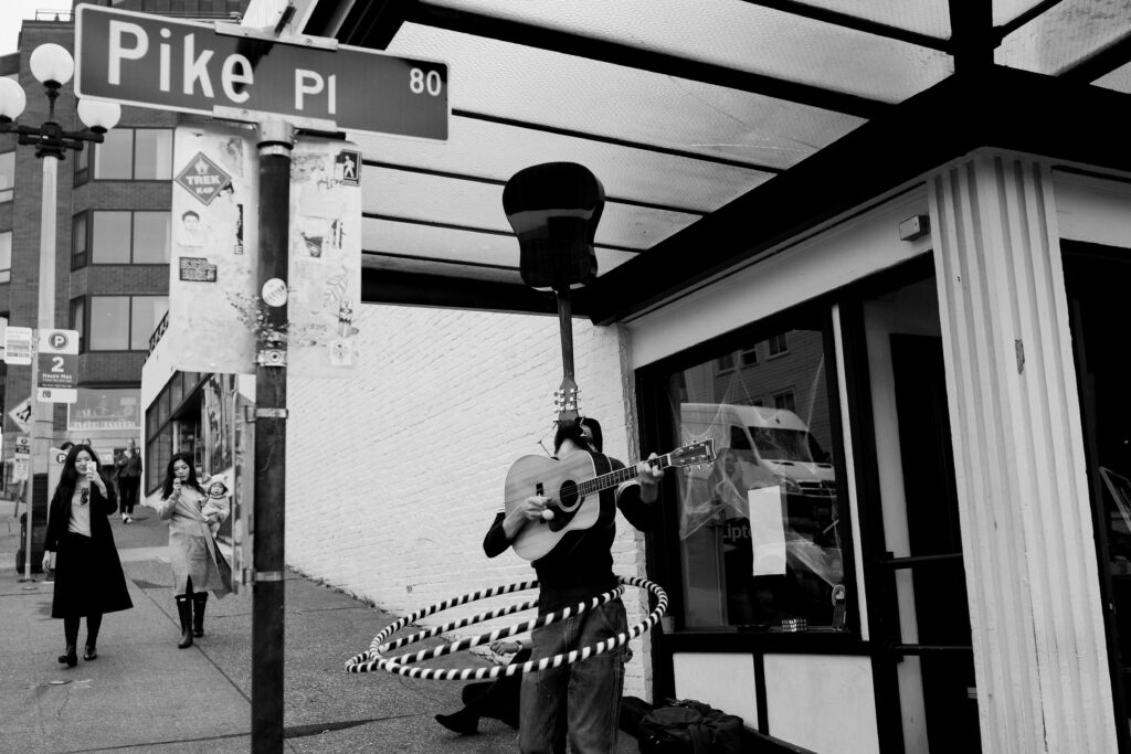 Busker Emery Carl performs at Pike Place Market Alicia K Photography
