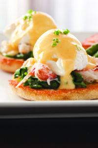 Six|Seven Restaurant: Crab benedict