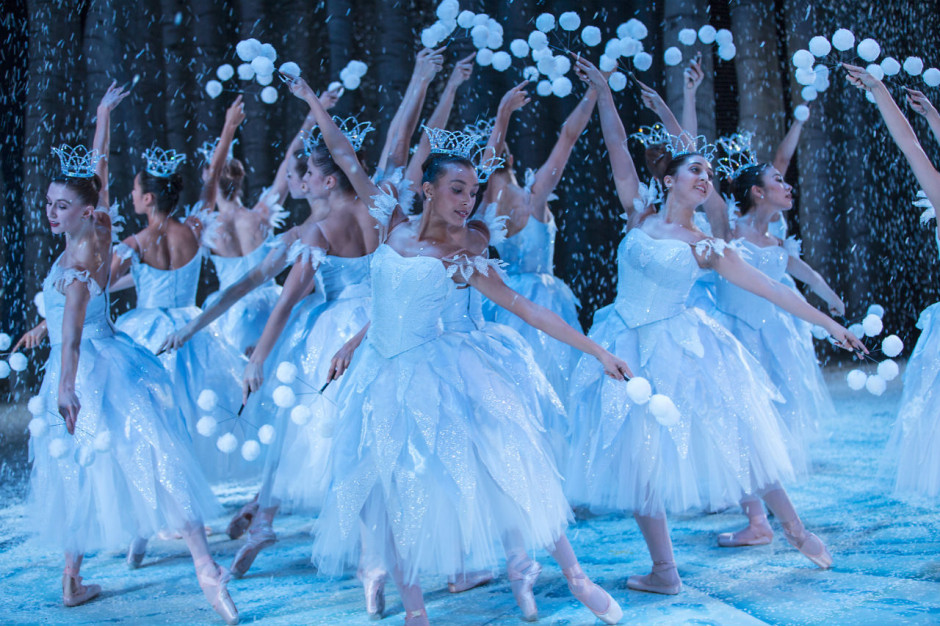 Photo: © Angela Sterling for Pacific Northwest Ballet