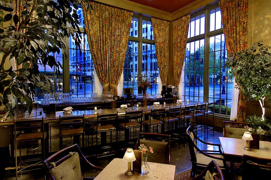 Photo: Mayflower Park Hotel